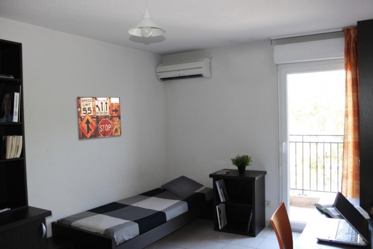 vente achat appartement la garde 83130. Black Bedroom Furniture Sets. Home Design Ideas